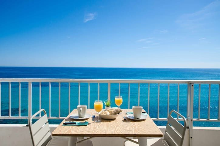 YourHouse Ocean - sea view apartment for 4 guests
