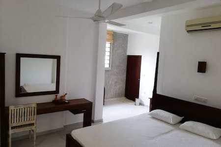 LUXURY ROOM 1 (private)-Villa Maane by Goodwill