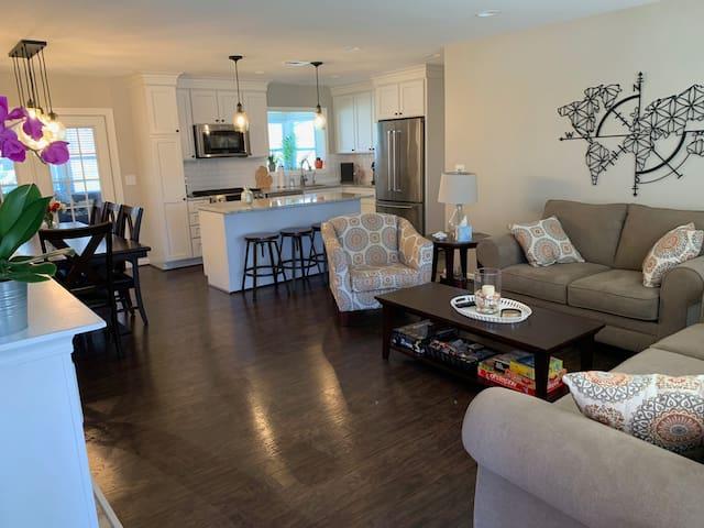 Private 2 Bedroom Home in Farmington Hills