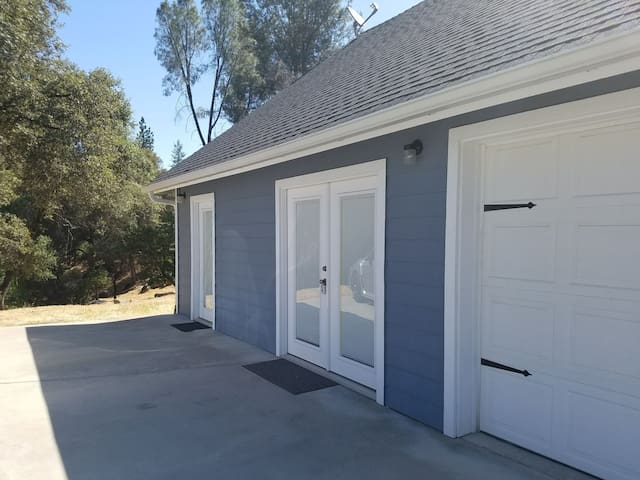 Beautiful Studio near Yosemite and Bass Lake!