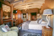 Main bedroom: inside view