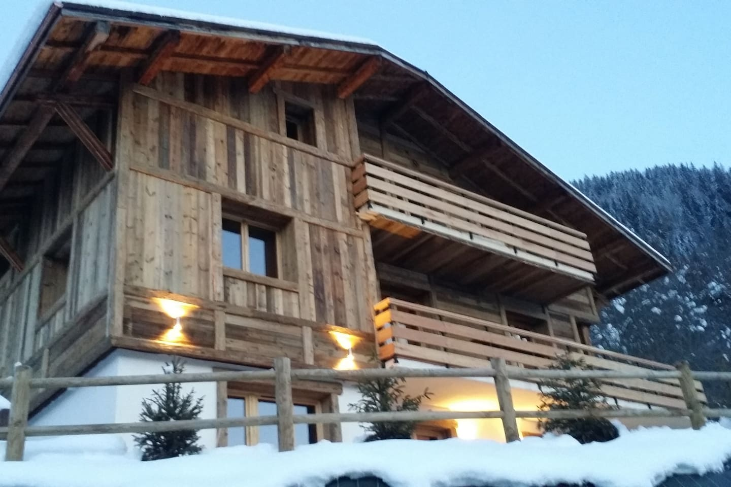 Luxury Saint Gervais chalet apartment with hot tub and stunning mountain views. Winter and summer bliss!