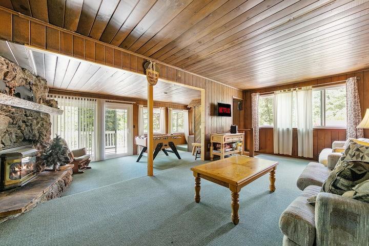 Rustic Cabin Retreat- Mins from Bass Lake