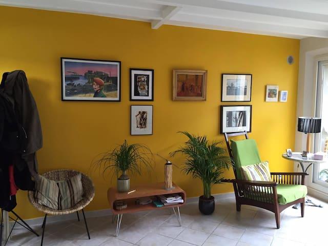 Chambre 15 m2 dans maison pleine de charmes - Querqueville - House