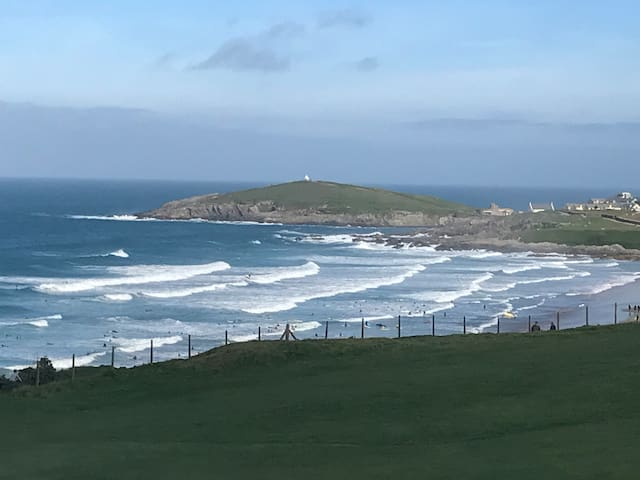 Fistral View (With private gated parking)