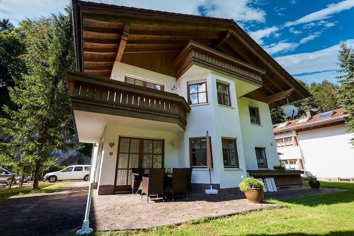 Confortable apartamento en Schönau am Königsee cerca del bosque
