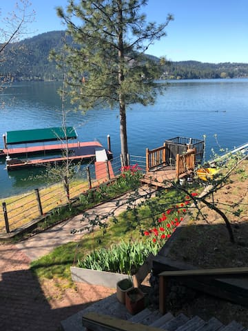 English Point Waterfront Master Suite-Hayden Lake