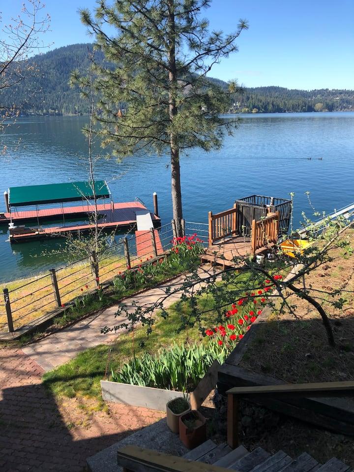 English Point Waterfront Master Suite-Hayden Lake