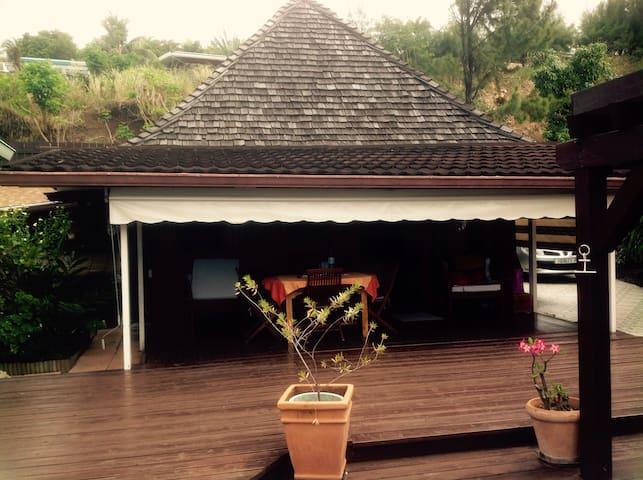 Maison en bois au cœur de Papeete - Papeete - Hus