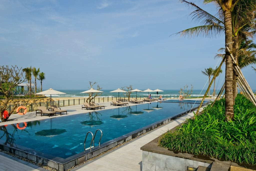 You can access the main pool area right in front of the beach club and restaurant.