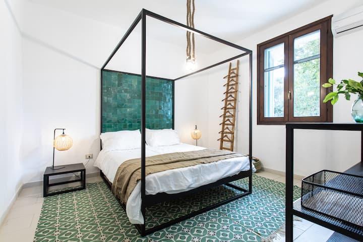 Villa with 2 private pools, hydro massage & cinema