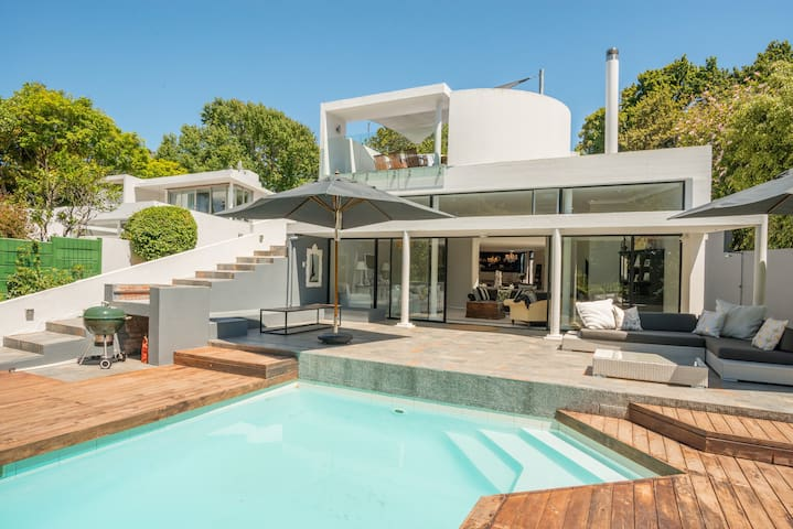 Mid Century Master - Cape Town - House