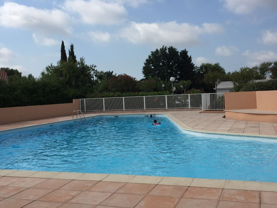 Sophia antipolis private room in a house case in for Piscine sophia antipolis tarif