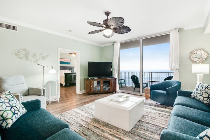 Gulf & Oceanfront Condo w/Shared In/Outdoor Pools, Hot Tub, High-Speed WiFi