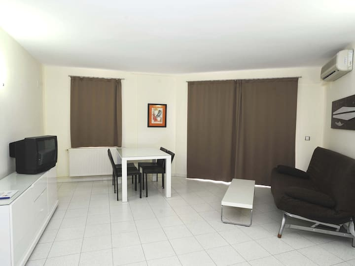 Beautiful one bedroom appartment with comunitary swiming-pool