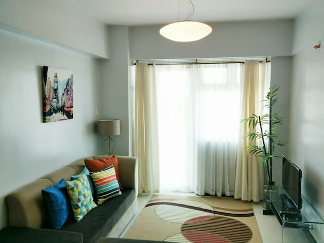 Homey 1-Bedroom Near Airport, Resorts World Manila - Pasay - Appartamento