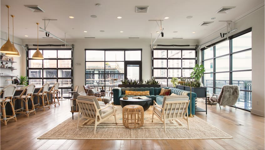 Modern Loft in Heart of Nashville! Walk to It All