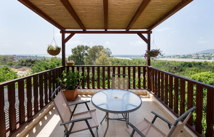 A private floor with sea view - Matzuva