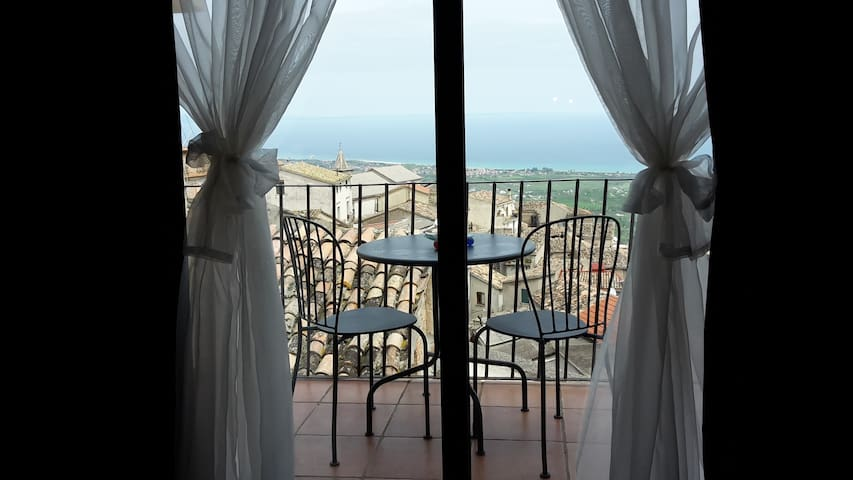 Origano, Triple Room with Sea View - Santa Caterina Dello Ionio - Apartamento