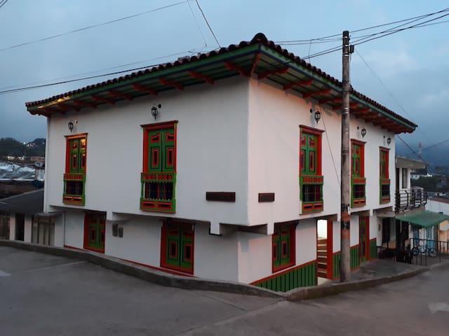 HOSTAL PASO DEL CORONEL