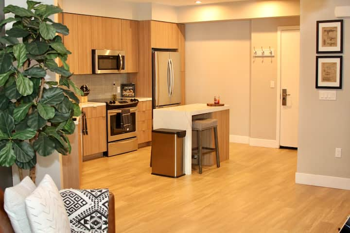 ★Luxury Jack London Square Apartment ★