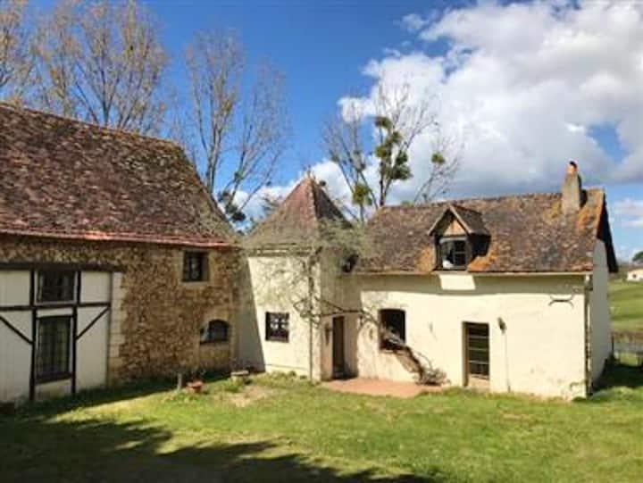 Casa con 9 stanze a Roussou, Issac, con accesso alla piscina e giardino recintato
