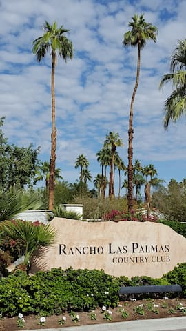 Located in the beautiful Rancho Las Palmas CC