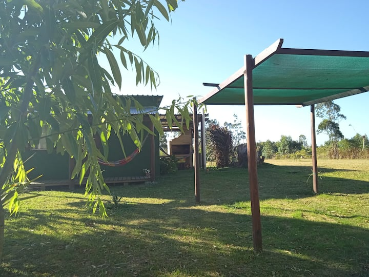 Casa con AA y parque, ideal pareja. A 1km Pedrera