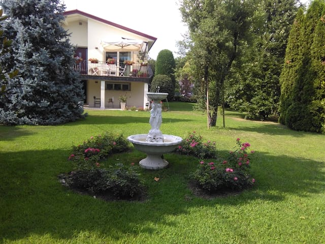 Elegante casa con giardino a Treviso - Visnadello - Rumah