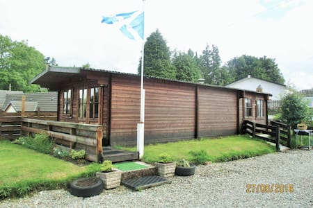 Log cabin - ideal getaway for 2 pp