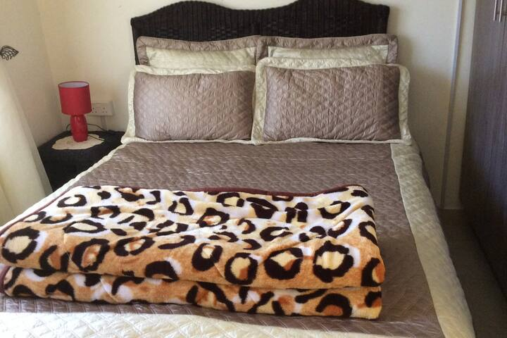 Touch of Grace 2 roomed B&B (borehole, dstv, wifi)