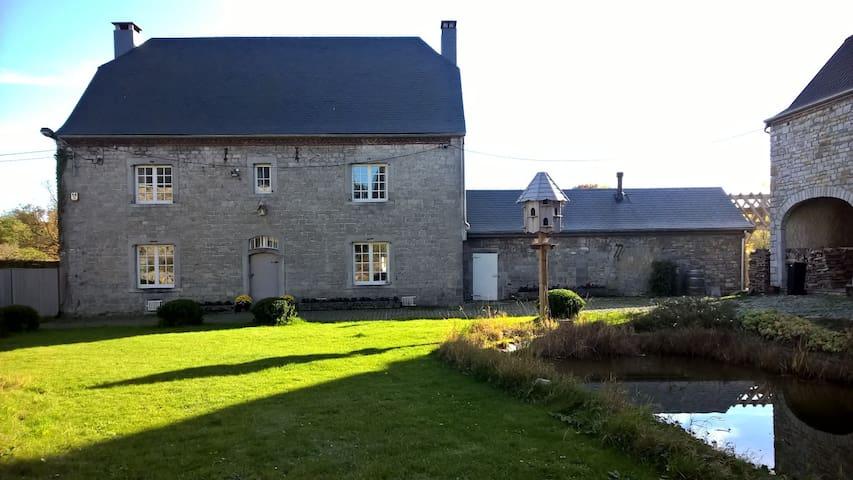 Chambre dans une ferme classée du XVIIIème siècle - Hamois
