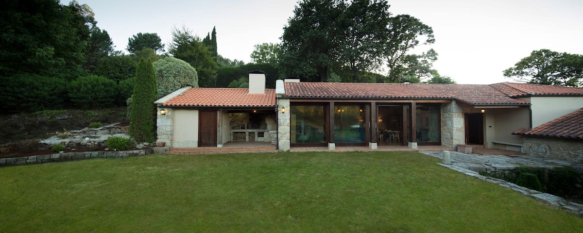 Exclusiva Villa Rural Rías Baixas. 5 hab y piscina - As Barreiras