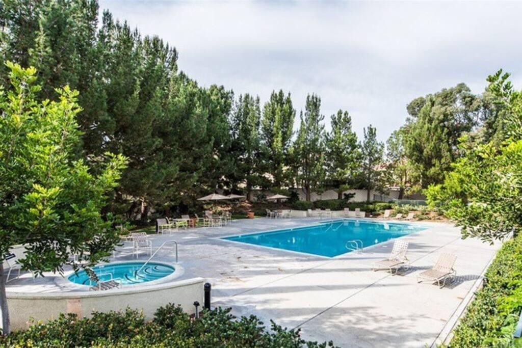 Community pool & jacuzzi
