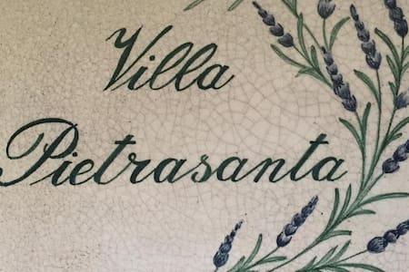B&B Villa Pietrasanta Rennes Les Chateau - Pietrasanta