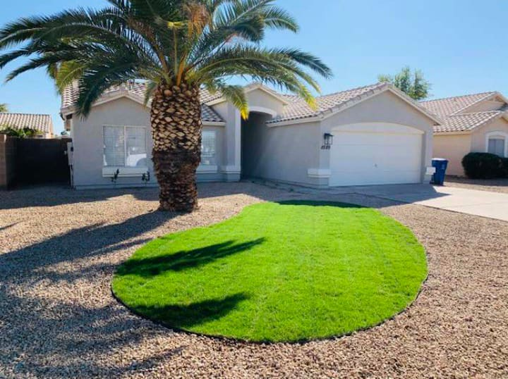 Walk to Cardinals Stadium,Fully Remodeled,w/Pool.