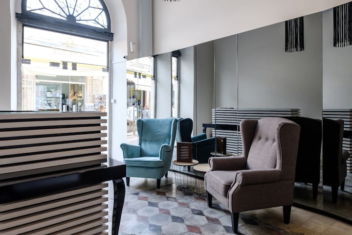 5 Lux En-suite rooms in Heritage Mansion-Old town