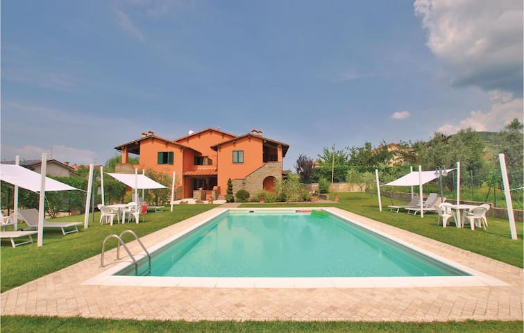 Holiday apartment with 2 bedrooms on 55m² in Loro Ciuffenna AR