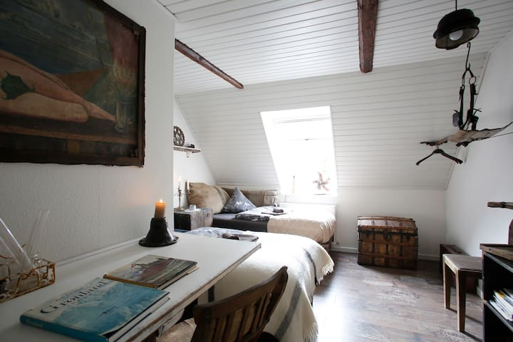 Farytalerooms in garbichdesign - Glamsbjerg - Bed & Breakfast
