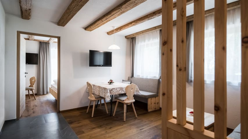 Fanes - Chalet Dolomit with Garden, Balcony, Mountain View & Wi-Fi; Parking Available
