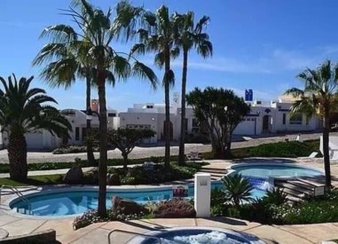 Rosarito Condo, NEW Private Relaxing w Ocean View!