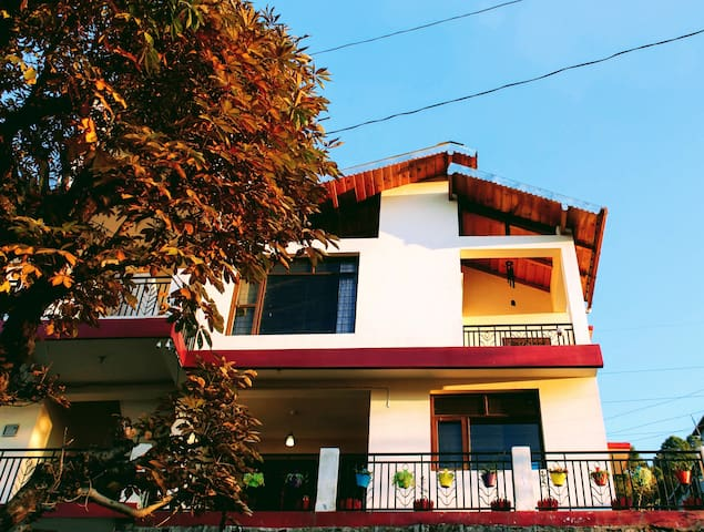 Meraki - Entire 3BHK Villa With Himalayan Views