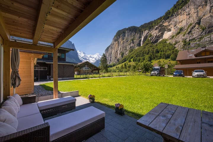 Luxury apartment with unbeatable views. - Lauterbrunnen - Apartamento