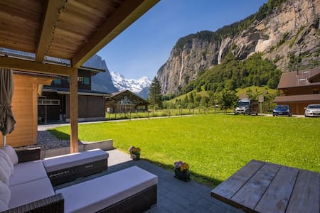 Luxury apartment with unbeatable views. - Lauterbrunnen - Daire