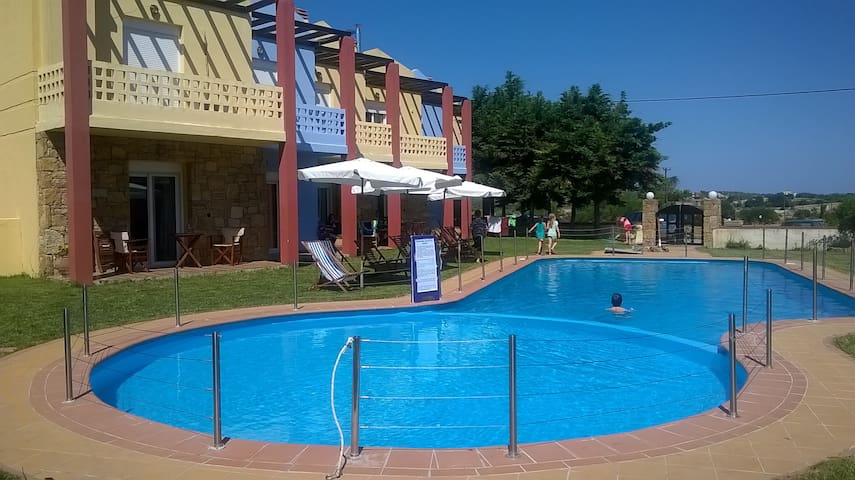 Summer home  with pool - Posidi - Dom