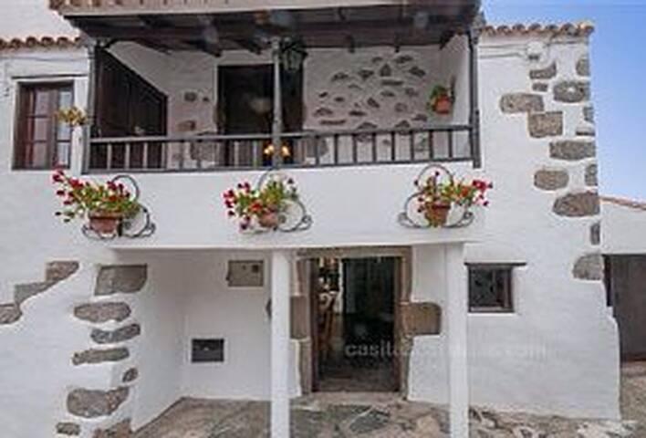 Casa Emblemática  La Cuadra - Firgas - Rumah