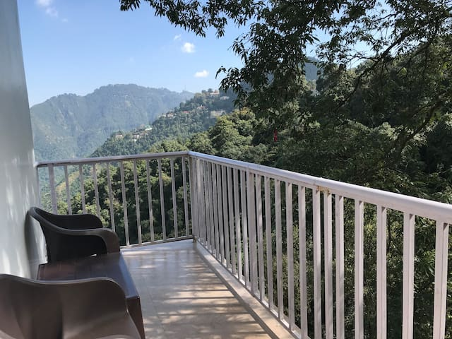Room with Balcony with jungle view in Mussoorie
