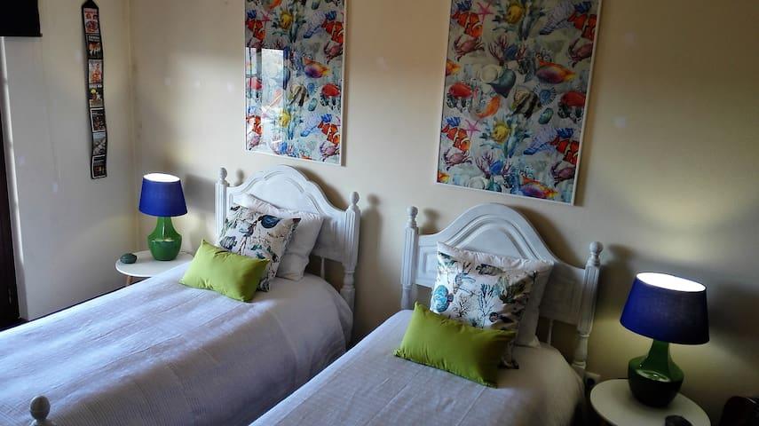 Hidden Heaven Almoçageme 2+1 Bed@Breakfast AL35139 - Colares - Hus