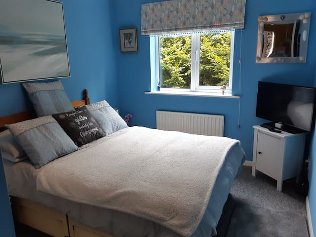 Lovely  room in Lower Parkstone