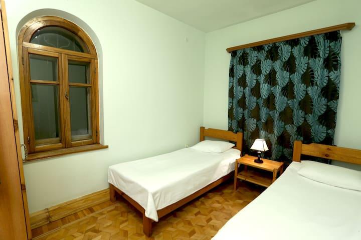Indigo Arctic Room (Daravand Guest House)
